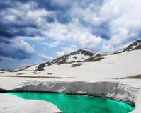 montagnes de lac Image stock