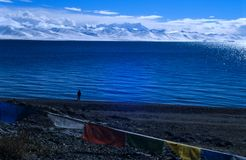 Montagnes de lac et de nyainqentanglha Nam Co Images stock