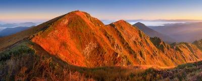 Montagnes de matin de panorama Photographie stock libre de droits