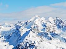 Montagnes de neige dans le domaine de ski de Paradiski Images libres de droits