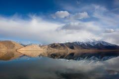 Montagnes de neige de Muztaga Images libres de droits