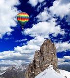 Montagnes de neige en Suisse photographie stock