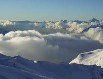 montagnes de nuage plus de photo libre de droits