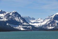 Montagnes de parc national de glacier de Sherburne de lac Images libres de droits