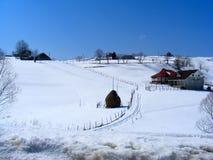Montagnes de Piatra Craiului des montagnes de Charpatian de sirnea de moeciu pendant l'hiver photo libre de droits