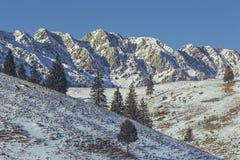 Montagnes de Piatra Craiului, Roumanie Photo stock