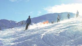 Montagnes 1 de ski banque de vidéos