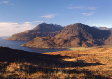 Montagnes de Skye, compartiment de Camasunary Images stock