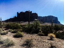 Montagnes de superstition dans le désert de l'Arizona Photos stock