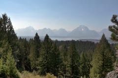 Montagnes de Teton et Jackson Lake grands, WY, Etats-Unis photographie stock libre de droits