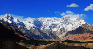 Montagnes de Tuomuer Photographie stock