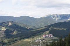 Montagnes des Carpathiens Photos stock