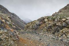 Montagnes du Kirghizistan du sud Photographie stock libre de droits