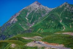 Montagnes en Géorgie Photos stock