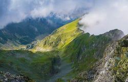 Montagnes en Roumanie Photos libres de droits