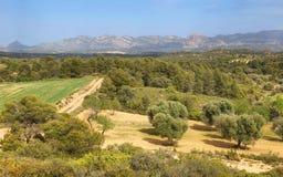 Montagnes et champs dans la réserve naturelle de Beseit de ports d'Els, Espagne image stock