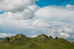 Montagnes et ciel bleu photos libres de droits