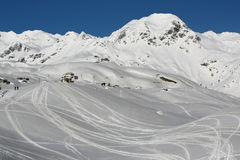 Montagnes et collines de neige Photo stock
