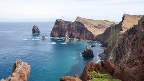 Montagnes et falaises de la Madère Images libres de droits