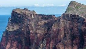 Montagnes et falaises de la Madère Photographie stock