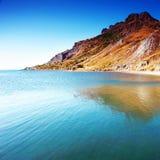 Montagnes et fond de mer Image stock
