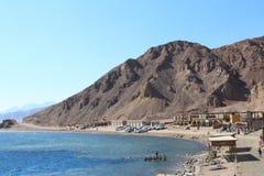 Montagnes et mer dans Sinai Photos stock