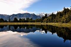 Montagnes et mer du Nouvelle-Zélande Photos libres de droits