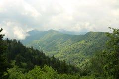 Montagnes fumeuses Images libres de droits