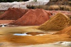 Montagnes globales de construction colorée dans Alicante, Espagne images libres de droits