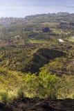 Montagnes indonésiennes, île de Bali, le volcan actif de Batur Photographie stock