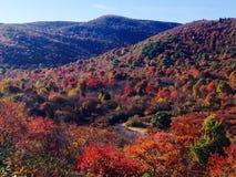 Montagnes magiques dans l'automne photographie stock libre de droits