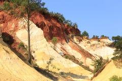 Montagnes ocres en Provence, France Image libre de droits