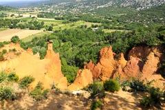 Montagnes ocres en Provence, France Photos libres de droits