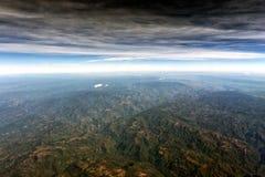 Montagnes près de panorama de paysage urbain de vue aérienne de Mexico Photographie stock libre de droits