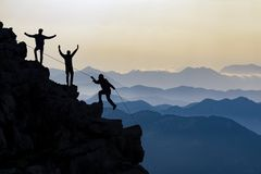Montagnes provocantes et concept de succès Photo stock