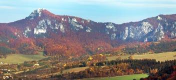 Montagnes rocheuses de Sulov - sulovske skaly - la Slovaquie Photographie stock