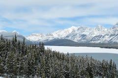 montagnes rocheuses et lac Photographie stock libre de droits