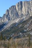 montagnes s'élevantes du Canada rocheuses Photographie stock libre de droits