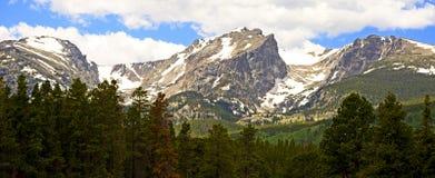 Montagnes Snow-capped dans le Colorado Photographie stock