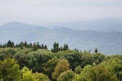 Montagnes sous la brume Photo libre de droits