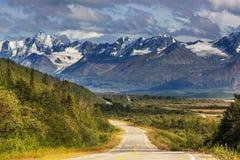 Montagnes sur l'Alaska image libre de droits