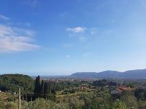 Montagnes toscanes pendant l'été Image stock