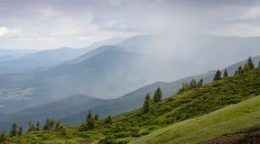 Montagnes ukrainiennes Photos stock