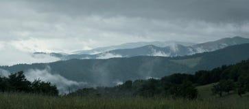 Montagnes ukrainiennes Photographie stock