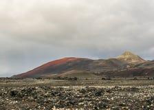 Montagnes volcaniques noires rouges dans Kverkfjoll, montagnes de l'Islande, l'Europe images libres de droits