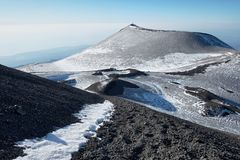 Montagnola χειμερινό Etna στο πάρκο, Σικελία στοκ φωτογραφία με δικαίωμα ελεύθερης χρήσης