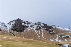 Montain范围在一多云天 库存照片