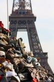 Montain dei pattini nella parte anteriore la Torre Eiffel fotografia stock libera da diritti