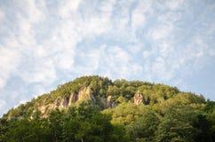 Montain med himmel Royaltyfri Fotografi