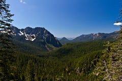 Montaje cercano del rango de montaña más lluvioso Imagen de archivo
